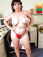 Gallant mature cutie baring it all on picture